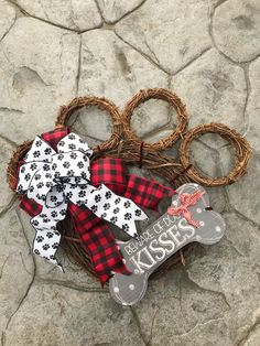 Excited to share the latest addition to my shop: Paw print Wreath Crafts To Sell, Diy And Crafts, Dog Wreath, Grapevine Wreath, Wood Block Crafts, Dog Lover Gifts, Pet Lovers, Printed Ribbon, Dog Paws