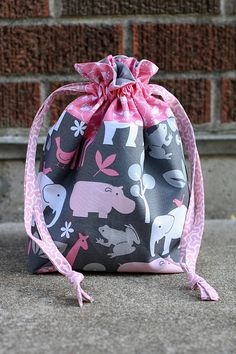 Lined Drawstring Bag Tutorial by jenib320, via Flickr