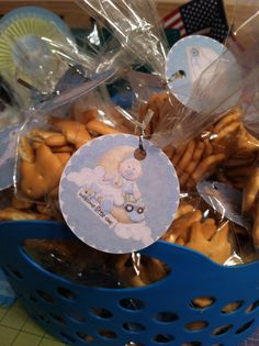 Animal cracker goodie bags for baby shower