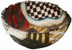 Annemette Klit is educated at Kolding Design School and has many exhibitions behind her. She works with ceramic expressions in raku, sculpture ceramics and more.