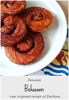 Zeeuwse bolussen – De K van Koken Onion Rings, Meat, Baking, Ethnic Recipes, Bakken, Backen, Onion Strings, Sweets, Pastries