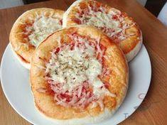 Der perfekte Joghurt-Hefeteig für kleine Pizzen oder Brötchen, ohne Gehzeit und in wenigen Minuten zubereitet | Top-Rezepte.de
