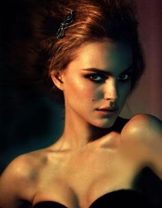 Beauty news: Natalie Portman to star as the new Miss Dior Cherie - Earlier this year the stunning Natalie Portman was signed to be the new face of Dior, and it's recently been announced that her first job for the brand Miss Dior, Pretty People, Beautiful People, Most Beautiful, Amazing People, Beautiful Celebrities, Gorgeous Women, Hello Gorgeous, Beauty And Fashion