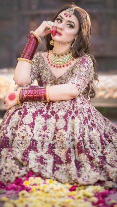 Awesome New Bridal Photoshoot of Hira Mani Pakistani Wedding Dresses, Pakistani Outfits, Hira Mani, Bridal Photoshoot, Bridal Shoot, Bridal Pics, Indian Photoshoot, Photoshoot Ideas, Indian Wedding Photography Poses