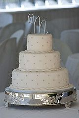 Fondant Covered Wedding Cake, Silver dragees.  Waynesville Inn, Waynesville Wedding Cake.