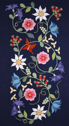 Tudor Rose Panel from Euphoria Tapestry Quilts by Deborah Kemball