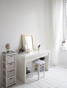 5 Things: Declutter Your Space. - ghostparties