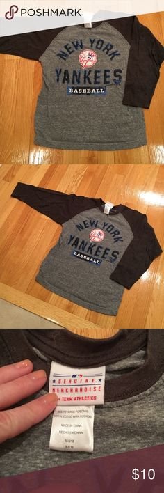 NY Yankees baseball tee 🌸excellent condition genuine merchandise 56% cotton 44% polyester NY YANKEES Shirts & Tops Tees - Long Sleeve