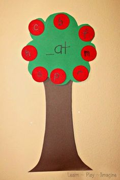 Word family apple tree game - kindergarten literacy activity for fall