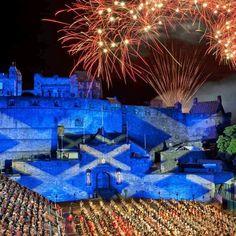 The Saltire projected onto Edinburgh Castle  #TheSaltireProjected #EdinburghCastle #HeathrowGatwickCars.com   from Instagram: http://ift.tt/2gFgBJR    2016 at 11:03AM November 30 Uncategorized