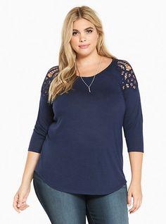 Plus Size Crochet Shoulder Raglan Tee,