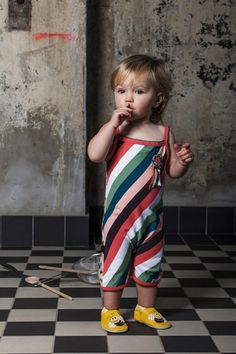 4 Funky Flavours:  Short baby bodysuit Butterfly Culture - kids fashion