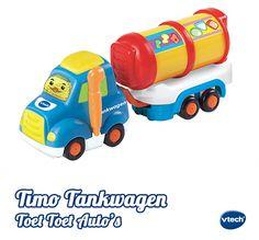Ga samen met Timo Tankwagen de brandstof leveren! Druk op de knipperende gezichttoets om geluidseffecten, vrolijke zinnetjes en gezongen liedjes te horen. Beweeg Timo Tankwagen over de Magische Sensors van de speelsets en luister naar de vrolijke reacties. #VTech #speelgoed #babyspeelgoed #toettoet