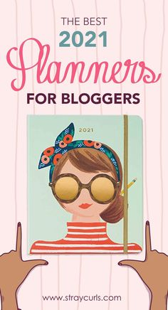 Read this amazing list and review of the best 2021 planners for bloggers, freelancers and lady entrepreneurs. Each planner is a yearly planner where you can write your daily to-dos, blogging goals and action, and notes. Perfect for blogging. Best Weekly Planner, Social Media Marketing Business, Online Business, Online Work From Home, Writing A Book, Writing Tips, Blogging For Beginners, Make Money Blogging, Blog Tips