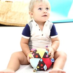 2017 New Baby Toys Animal Ball Soft Stuffed Toy Balls Baby Rattles Infant Babies Body Building Ball