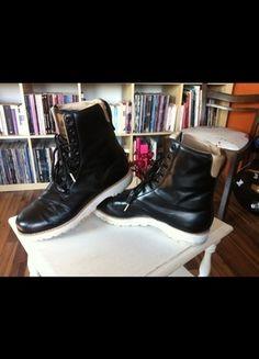 Kaufe meinen Artikel bei #Kleiderkreisel http://www.kleiderkreisel.de/damenschuhe/halbschuhe/131469914-turnschuhe-adidas-boots