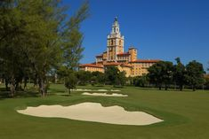 The iconic Biltmore Hotel in Coral Gables, Florida and it's classic Donald Ross designed golf course have finally been completely restored. Miami Beach, Florida Golf, South Florida, Florida Living, Donald Ross, Golf Hotel, Hotel Packages, Visitors Bureau, Flight And Hotel