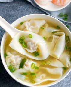 Wonton Soup Wonton Soup Homemade Chinese Wonton Soup Is Easy And Tastes Better Than Take Out Plus Step By Step Photo Tutorial For Wrapping Wontons Wonton Recipes, Chicken Wontons, Chicken Tenders, Chicken Soup, Healthy Snacks, Healthy Recipes, Asian Soup, Wonton Wrappers, Asian Cooking