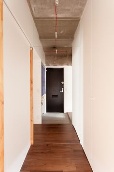 #K様邸練馬高野台 #玄関 #廊下  #コンクリート打ちっぱなし #インテリア #EcoDeco #エコデコ #リノベーション #renovation #東京 #福岡 #福岡リノベーション #福岡設計事務所 Stairs, Mirror, Furniture, Home Decor, Stairway, Decoration Home, Room Decor, Mirrors, Staircases