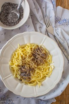 Taietei cu mac Minute, Deserts, Spaghetti, Yummy Food, Ethnic Recipes, Desserts, Delicious Food, Postres, Dessert