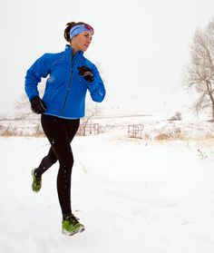 Don't let the winter weather stop you from pounding the pavement. We've got five good reasons that running in cold weather is actually good for you—so lace up your sneakers, bundle up, and get