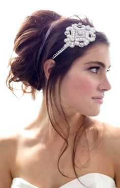 Bride's messy bouffant updo Art deco Gatsby headpiece hair jewelry. http://pinterest.com/ToniKami/wedding-hairstyles-%E2%9D%B6/
