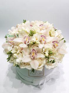 Floral Bouquets, Wedding Bouquets, Floral Wreath, Contemporary Flower Arrangements, Floral Arrangements, Happy Flowers, Love Flowers, Floral Wedding, Wedding Flowers