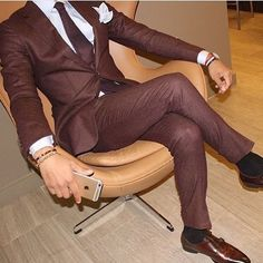 Custom Made Brown Mens Wedding Prom Party Suits Dinner Blazer 2 Pieces Bridegroom Tuxedos Best Man Suit terno masculino 2016 Style Gentleman, Gentleman Mode, Dapper Gentleman, Dapper Men, Mode Chic, Mode Style, Sharp Dressed Man, Well Dressed Men, Look Fashion