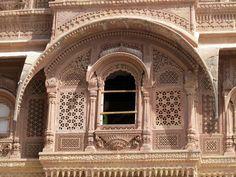 The Mehrangarh Fort Chittorgarh Fort, Buddha Sculpture, Buddha Painting, Jaisalmer, Architecture Old, Rajasthan India, Jodhpur, Islamic Calligraphy, Forts