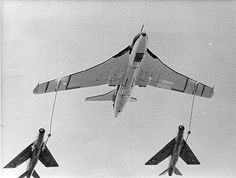RAF English Electric Lightning F6 fighters following Handley Page Victor XH587 Air-Air Refuelling drogues, Laverton, 1971
