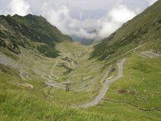 Transfagarasan, carretera en.Rumania not to sure where this is but what a dream ride.