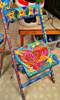 Whimsical painted furniture and Painted Chair - Funky furniture prints - Chair Design Art Furniture, Funky Furniture, Furniture Makeover, Furniture Design, Furniture Buyers, Furniture Websites, Furniture Online, Colorful Furniture, Upcycled Furniture