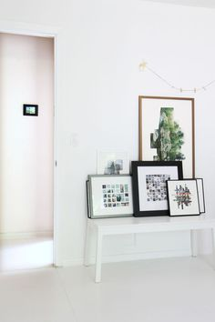 minimal display corner // via designsponge