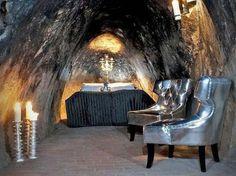Sala Silvermine (Suecia)  Una cueva reconvertida a 510 metros bajo tierra lo convierten en el hotel más profundo del mundo.