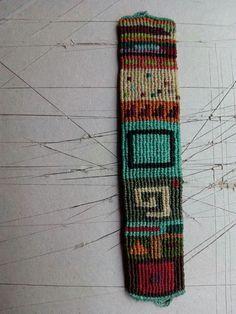Yarn Bracelets, Bracelet Crafts, Handmade Bracelets, Fiber Art Jewelry, Textile Jewelry, Macrame Necklace, Macrame Jewelry, Tapestry Weaving, Loom Weaving
