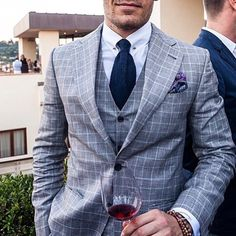 Pitti & Wine… Cc:@justusf_hansen • #bespokengents To Be Featured! •Follow Bespoken Gents for daily inspiration for your bespoke lifestyle! Follow Our Instagram! @Bespokengents