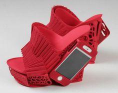 Alan Nguyen Schuhe mit iPhonehalterung _3
