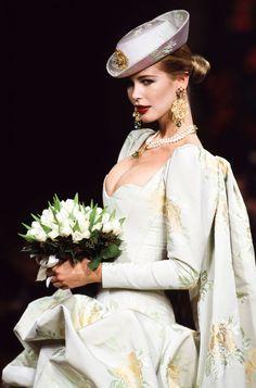 1999 Fashion, 80s And 90s Fashion, Couture Fashion, Claudia Schiffer, Ysl, Yves Saint Laurent Paris, High Class Fashion, French Fashion Designers, Diane Kruger