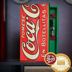 Olha que lindo esse porta-chaves da Coca-Cola. Cabem 6 chaveiros nele, além de dar um UP em qualquer ambiente.  #RetroLovers #Decor #Coke