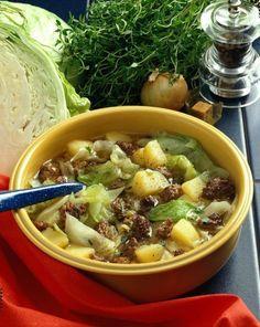 Unser beliebtes Rezept für Weißkohl-Kartoffel-Eintopf und mehr als 55.000 weitere kostenlose Rezepte auf LECKER.de.