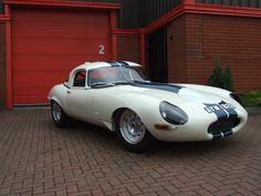 http://dayerses.com/data_images/posts/jaguar-e-type-lightweight/jaguar-e-type-lightweight-04.jpg