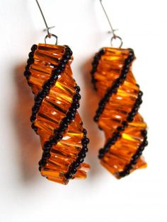 Cosido espiral - instrucciones  Would love to do several of these like lantern earrings