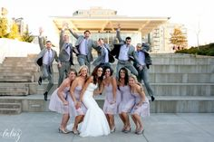 awesome photo of the bridal party!