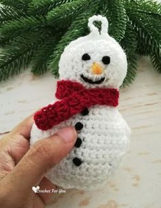 Cute Crochet Patterns Crochet Snowman Christmas Ornament Free Pattern - Crochet For You - Here is the first pattern of Christmas Ornament Mini CAL. This Crochet Snowman looks cute and perfect for Christmas ornament. Snowman Christmas Decorations, Crochet Christmas Ornaments, Christmas Crochet Patterns, Holiday Crochet, Christmas Knitting, Crochet Gifts, Christmas Snowman, Snowman Ornaments, Diy Christmas