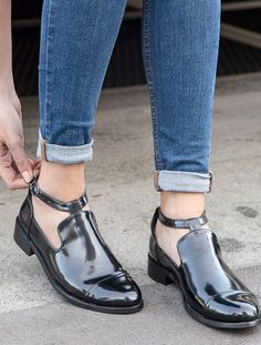 Mariss Siyah Dekolte Loafer Ayakkabı