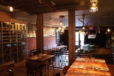 La Planque - Restaurant Limoilou | Tonresto Quebec City, St Joseph, Lofts, Restaurant Bar, Restaurants, Conference Room, Drinks, Eat, Table