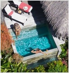 Pequena piscina Your Garden Pool Suite at the InterContinental Moorea Resort features a private plunge pool Small Swimming Pools, Small Backyard Pools, Small Pools, Swimming Pools Backyard, Small Backyards, Backyard Ideas Pool, Backyard Pergola, Small Patio, Mini Piscina