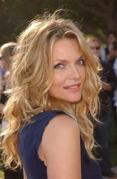 "Michelle Pfeiffer's sexiest looks of all time-Michelle Pfeiffer's sexiest looks of all time Michelle Pfeiffer mastered her come-hither look — and sexy bedhead hair — at the Los Angeles premiere of ""Stardust."" RELATED: Michelle Pfeiffer's… - Michelle Pfeiffer, Hair Dos, My Hair, Beauté Blonde, Celebs, Celebrities, Great Hair, Carrie, Hair Inspiration"