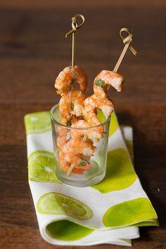 Una streghetta in cucina: Spiedini di gamberi marinati per un aperitivo esti...