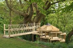 Treehouse Rope Bridge by Treehouse Life